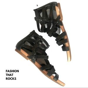 UGG Gladiator Style Sandals WMS Size 5